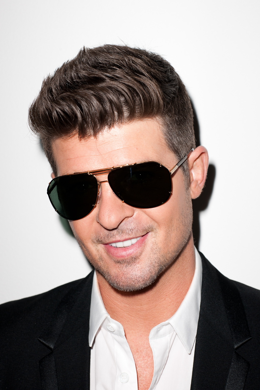 Robin thicke press here talent robin thicke nvjuhfo Image collections
